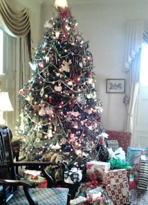 Holiday Open Houses: Governor Sprague Mansion &amp...