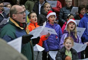 Christmas Caroling with the Grace Church Chorister...